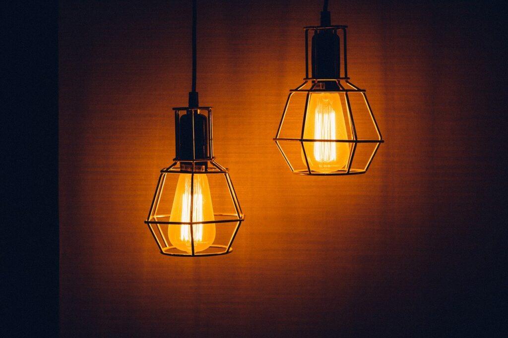 nowoczesna lampa w stylu industrialnym